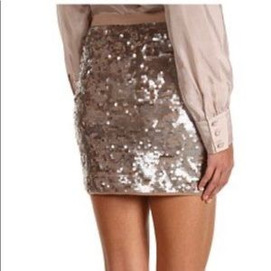 BCBGMaxazria sequin skirt in Moss Combo size Small
